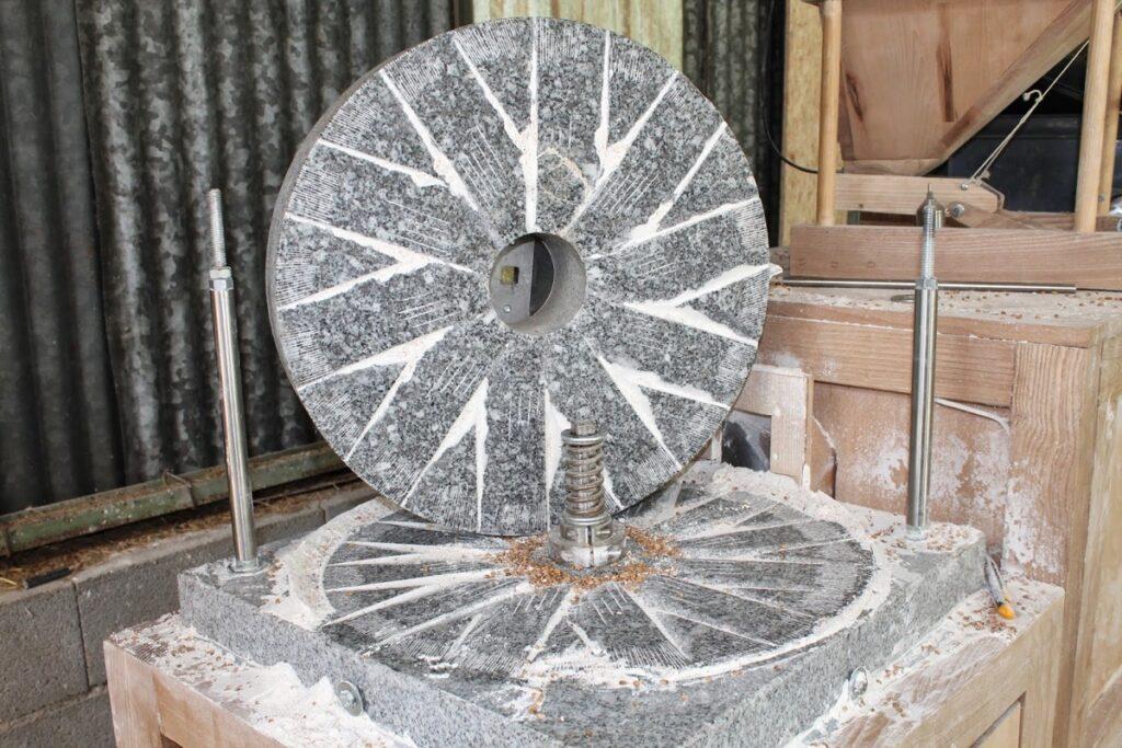 Le moulin Astrié de Terres de Solan, pour moudre les blés anciens