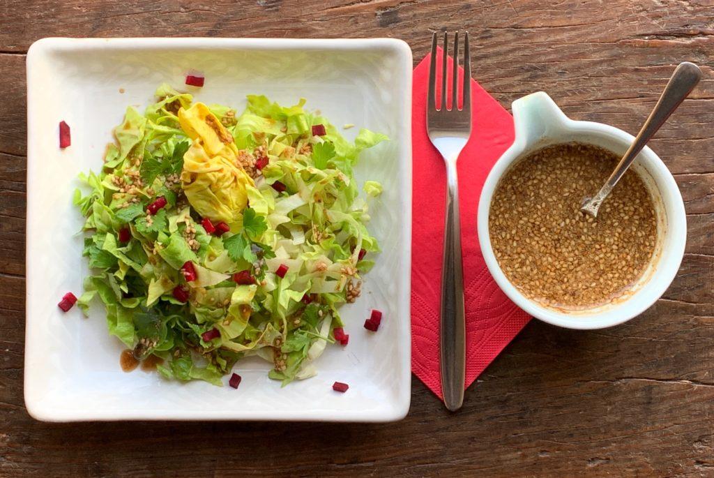 Sauce Sichuan aigre-douce : avec une salade