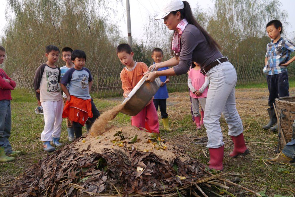 Tampopo, l'artisane : pratique permacole avec les enfants
